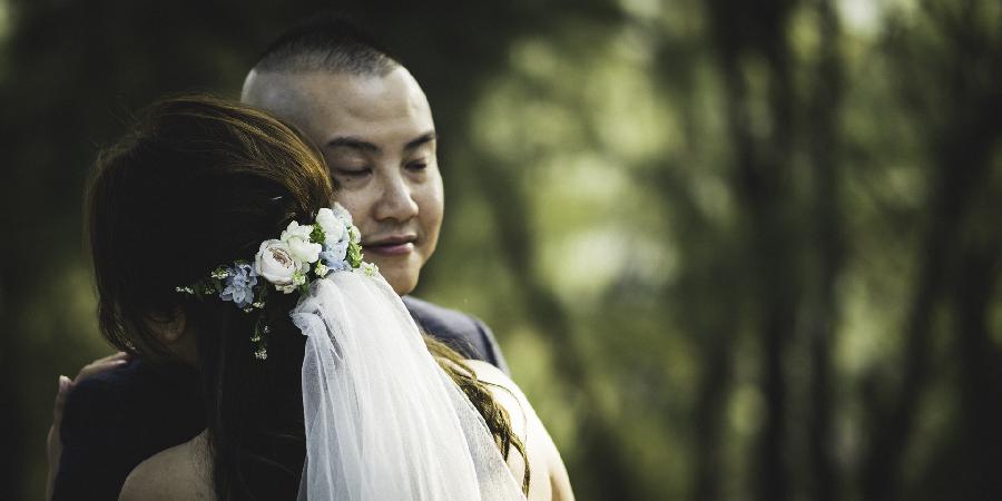 Emotion bride and groom wedding hong kong