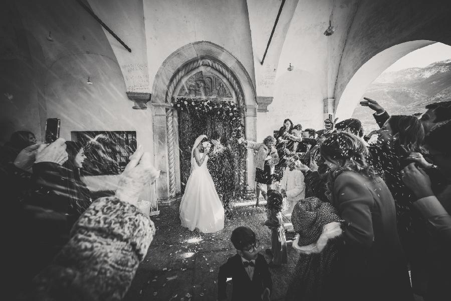 Lancio_del_riso_wedding_photographer_lake_como_and_Valtellina
